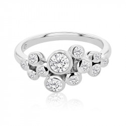 18ct White Gold Rub-Over Scattered Diamond Ring