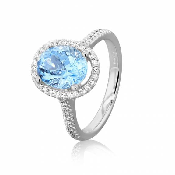 18ct White Gold Oval Aquamarine & Diamond Halo Style Ring