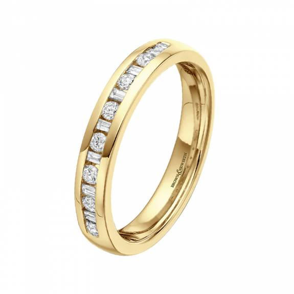 18ct Yellow Gold Baguette & Brilliant Cut Diamond Wedding Ring